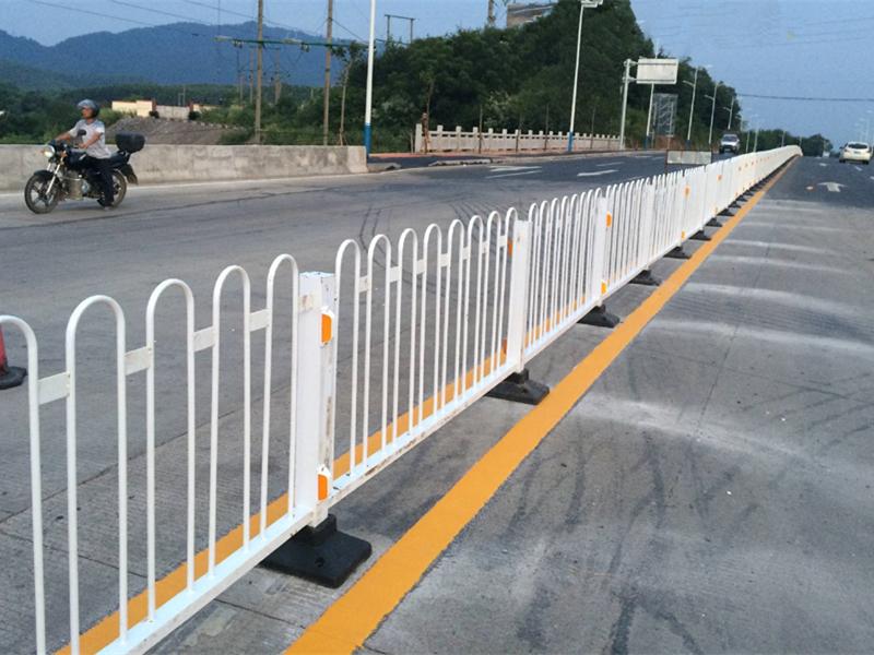京式道路护栏网工程案例